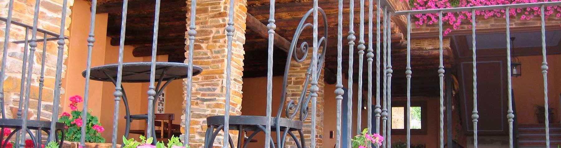casa-rural-los-pedregales-terraza-1800x475