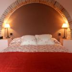 casa-rural-los-pedregales-apartamento-las-torcas-dormitorio
